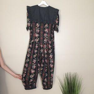 Vintage Floral Bibbed Pant Jumpsuit Romper